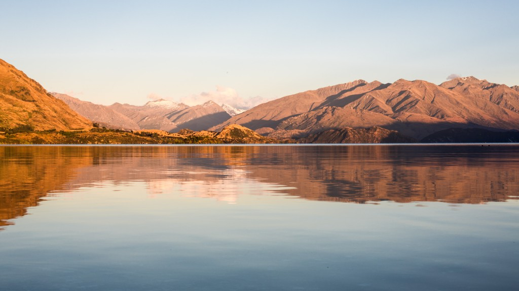 Lake before the sun rise-New Zealand-wanaka-Sarah Galvan Photographe-1