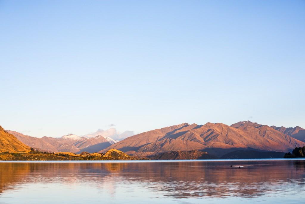 Lake before the sun rise-New Zealand-wanaka-Sarah Galvan Photographe-2
