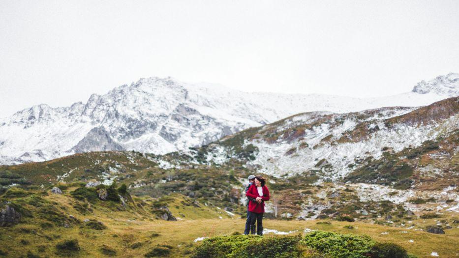 seance engagement dans les hautes alpes-Sarah Galvan Photographe-10