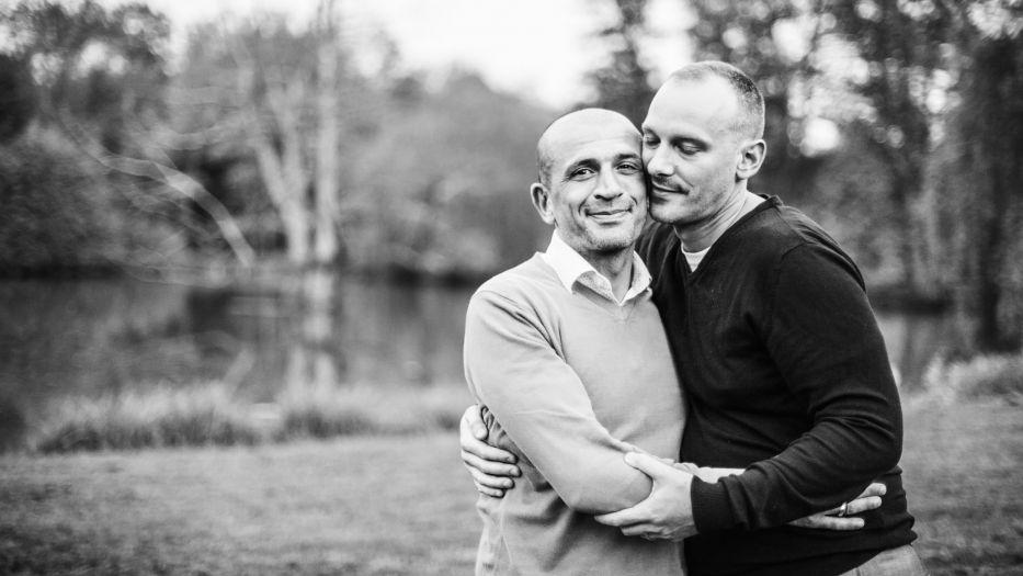 l'amour entre homme-séance engagement-Sarah Galvan Photographe